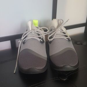 Women's Nike Lunar Charge Essential BN Shoe Size 9
